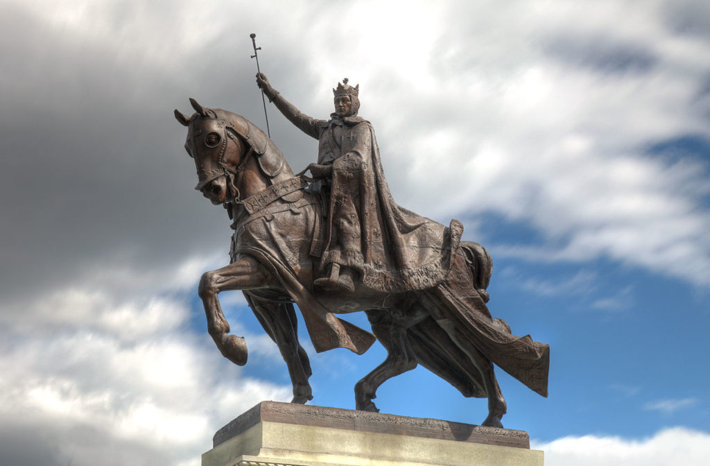 Is Statue of KING LOUIS IX going down?